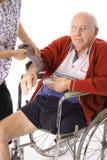 Het controleren van bejaardenbloeddruk Stock Foto