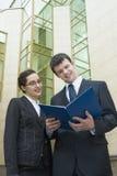 Het controleren van businessplan Stock Afbeelding