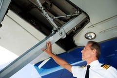 Het controleren van de vleugel Stock Afbeeldingen