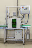 Het controleren van een druk in waterfilter Stock Foto