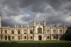 Het Corpus Christi is één van het kleinst maar ook het elegantst en rijkst van de Universiteiten van de Universiteit van Cambridg stock fotografie