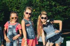 Het creatieve Team van Aantrekkelijke Tienermeisjes stelt Stock Foto