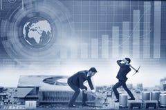 Het cryptocurrencyconcept met het geld van de zakenmanmijnbouw stock foto