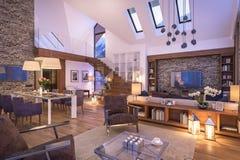 het 3D teruggeven van avondwoonkamer van chalet Royalty-vrije Stock Afbeeldingen