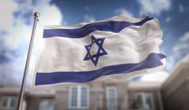 Het 3D Teruggeven van Israel Flag op Blauwe Hemel de Bouwachtergrond Stock Foto's