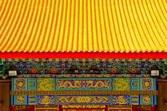 Het dak en het schilderen van de Chinese tempel royalty-vrije stock fotografie