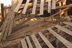 Het dak stort thuis in Royalty-vrije Stock Afbeelding