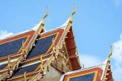 Het dak van de detailtempel in Bangkok Thailand Royalty-vrije Stock Foto's
