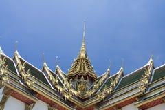 Het dak van de tegel in Thaise stijl Royalty-vrije Stock Foto