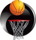 Het dalen van het basketbal in hoepel Stock Fotografie