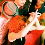 Het dansen aan de muziek Stock Afbeelding