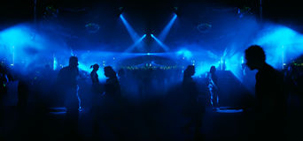 Het dansen in blauw - extreem wideangle beeld royalty-vrije stock foto's