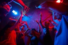 Het dansen in de nacht Stock Fotografie