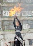 Het dansen en stunts met brand Royalty-vrije Stock Foto's