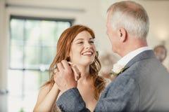 Het dansen met mijn Vader bij mijn Huwelijk royalty-vrije stock afbeelding