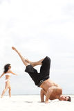Het dansen op het strand Royalty-vrije Stock Fotografie