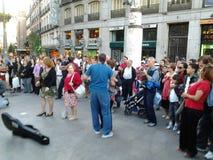 Het dansen op Vierkant Puerta del Sol stock foto