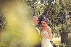 Het dansen van de bruid en van de bruidegom Stock Foto