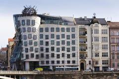 Het Dansende Huis, bijgenaamd Fred en Gember, voltooide in 1996 voor nationale-Nederlanden door Vlado Milunic en Frank Gehry Stock Afbeeldingen