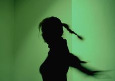 Het dansende Silhouet van het Meisje Stock Foto's