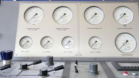 Het dashboard van de compressor stock footage