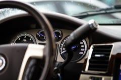 Het dashboard van de luxeauto Stock Fotografie