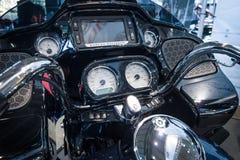 Het dashboard van een motorfiets Harley-Davidson Road Glide, 2016 royalty-vrije stock fotografie