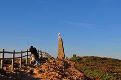 Het dateren dichtbij de omheining - Kaap Roca royalty-vrije stock foto's