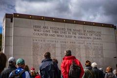 Het de Amerikaanse Begraafplaats & Gedenkteken van Luxemburg met het openbare kijken royalty-vrije stock foto's