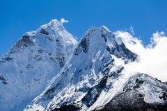 Het de berglandschap van Himalayagebergte, zet Ama Dablam op Royalty-vrije Stock Fotografie