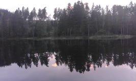 Het de hemelvallen van de avond van Zweden royalty-vrije stock foto