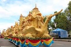 Het de Kaarsfestival van Ubon Ratchathani, THAILAND - de Kaarsfestival 2013 van Juli 25Ubon Stock Afbeeldingen