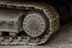 Het de kettingsdetail van het Kruippakje dichte omhooggaande, modderige kruippakje in aardachtige sfeer, de goed gebruikte close- Royalty-vrije Stock Foto's