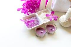 Het de kuuroordbehandeling en product voor vrouwelijke voeten en de manicure nails spa met roze bloem, kopiëren ruimte, zachte en stock fotografie