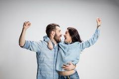 Het de liefde, de familie, de sporten, entretainment en gelukconcept stock fotografie