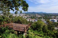 Het de meningspunt van de Phuketstad bij belde heuvel, Thailand Stock Afbeelding