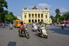 Het de Operahuis van Hanoi in Vietnam royalty-vrije stock afbeeldingen