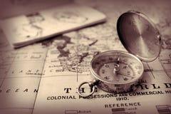 Het de oude Kaart en Kompas van de Wereld Royalty-vrije Stock Foto