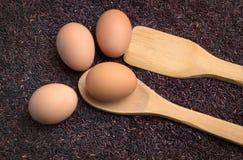 Het de ruwe rijst en ei van de Rijstbes Stock Foto's