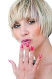 Het de schoonheidsportret van de vrouw met manicured spijkers Royalty-vrije Stock Afbeelding