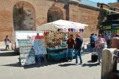Het de stadsleven van Rome Mening van de stadsverkopers van Rome op 1 Juni, 2014 Royalty-vrije Stock Foto's