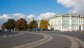 Het de Winterpaleis in heilige-Petersburg, Rusland Royalty-vrije Stock Foto
