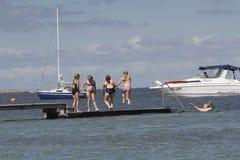 Het de zomerleven op een zonnige de zomerdag bij strand Royalty-vrije Stock Foto