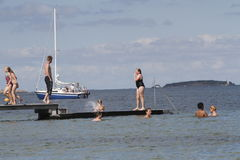 Het de zomerleven op een zonnige de zomerdag bij strand Stock Afbeeldingen