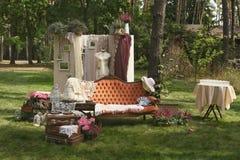 Het decor van het de zomerhuwelijk bij de Villa Stock Foto's