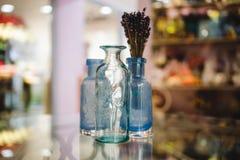 Het decoratieve decor van het vazen blauwe huis Stock Afbeeldingen