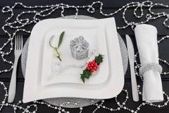 Het decoratieve Kerstmislijst Plaatsen Stock Foto