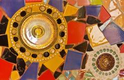 Het decoratieve ornament van de mozaïekmuur van ceramische gebroken tegel Royalty-vrije Stock Afbeeldingen