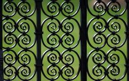 Het decoratieve patroon van de ijzeromheining Royalty-vrije Stock Foto's