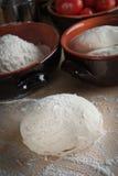Het deeg van het brood, pizzadeeg Royalty-vrije Stock Fotografie